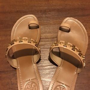 Tory Burch Shoes - Tory Burch Val Metal Logo & Leather Toe-Ring